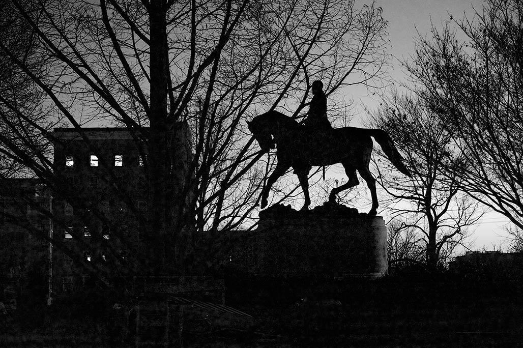 Lee statue silhouette